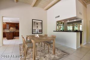 Dining area w/virtual furniture