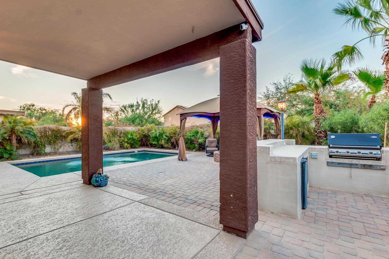 MLS 5810027 18138 W CANYON Lane, Goodyear, AZ Goodyear AZ Golf Private Pool