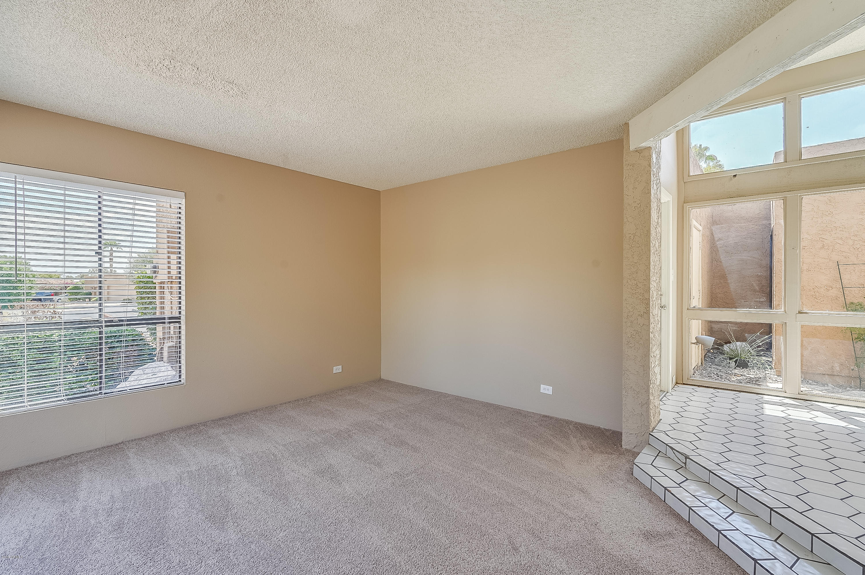 10649 N 11TH Street Phoenix, AZ 85020 - MLS #: 5811514