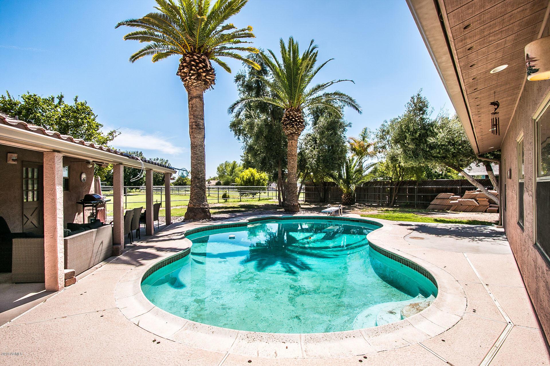MLS 5811692 1225 E KNIGHT Lane, Tempe, AZ Tempe Horse Property for Sale