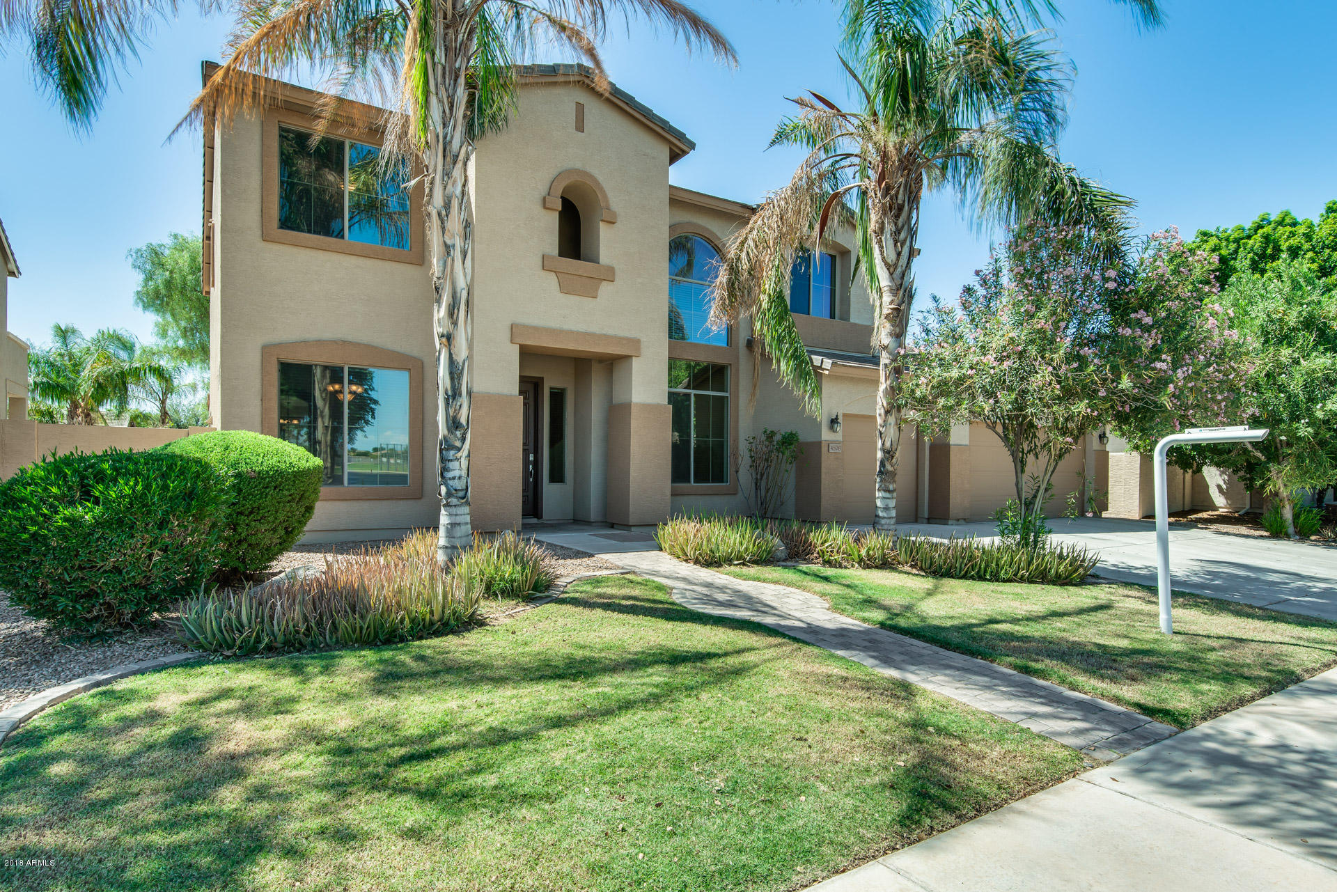 Photo of 4576 S BUCKSKIN Way, Chandler, AZ 85249