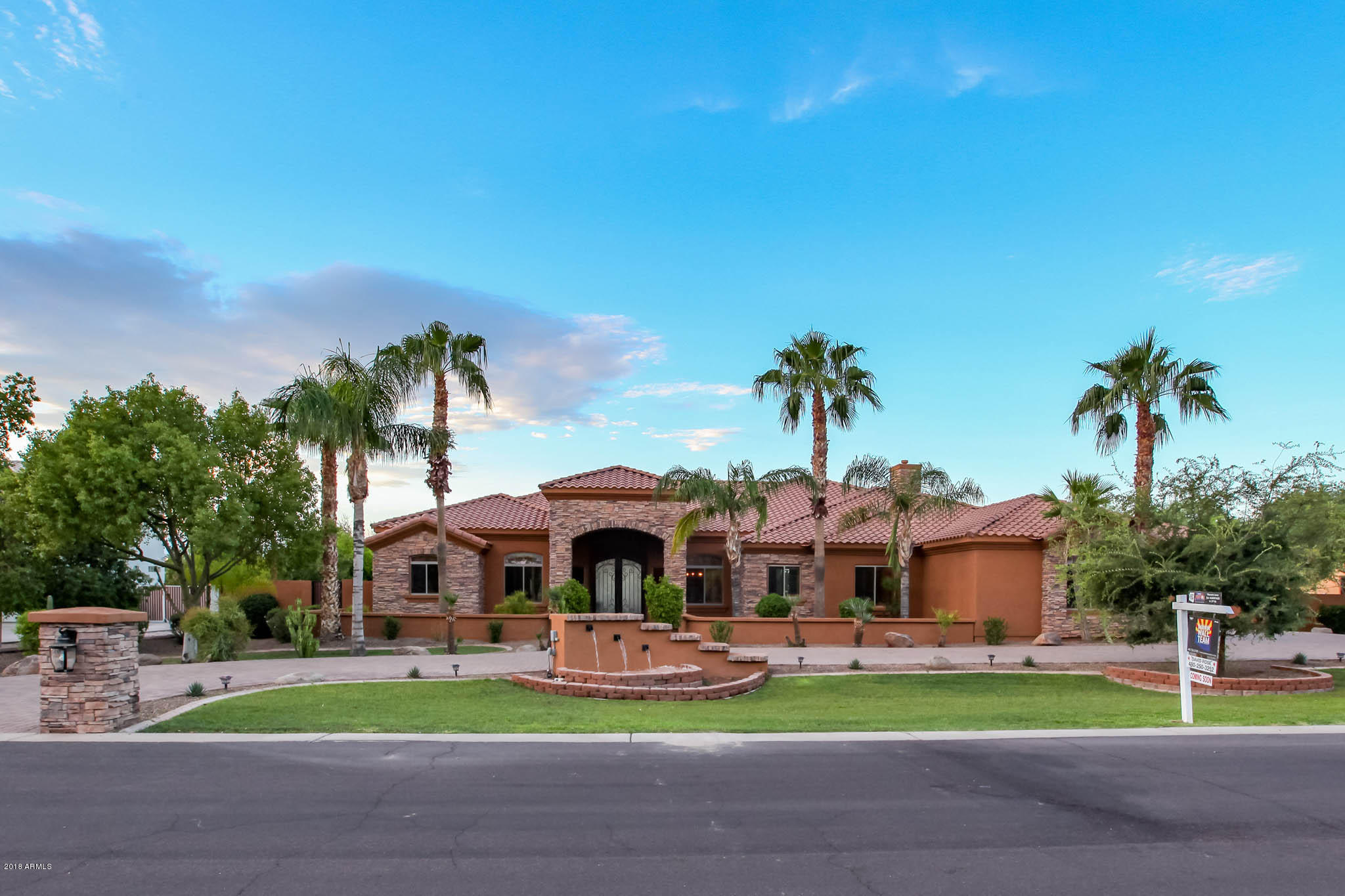 Photo of 2550 E CHERRYWOOD Place, Chandler, AZ 85249