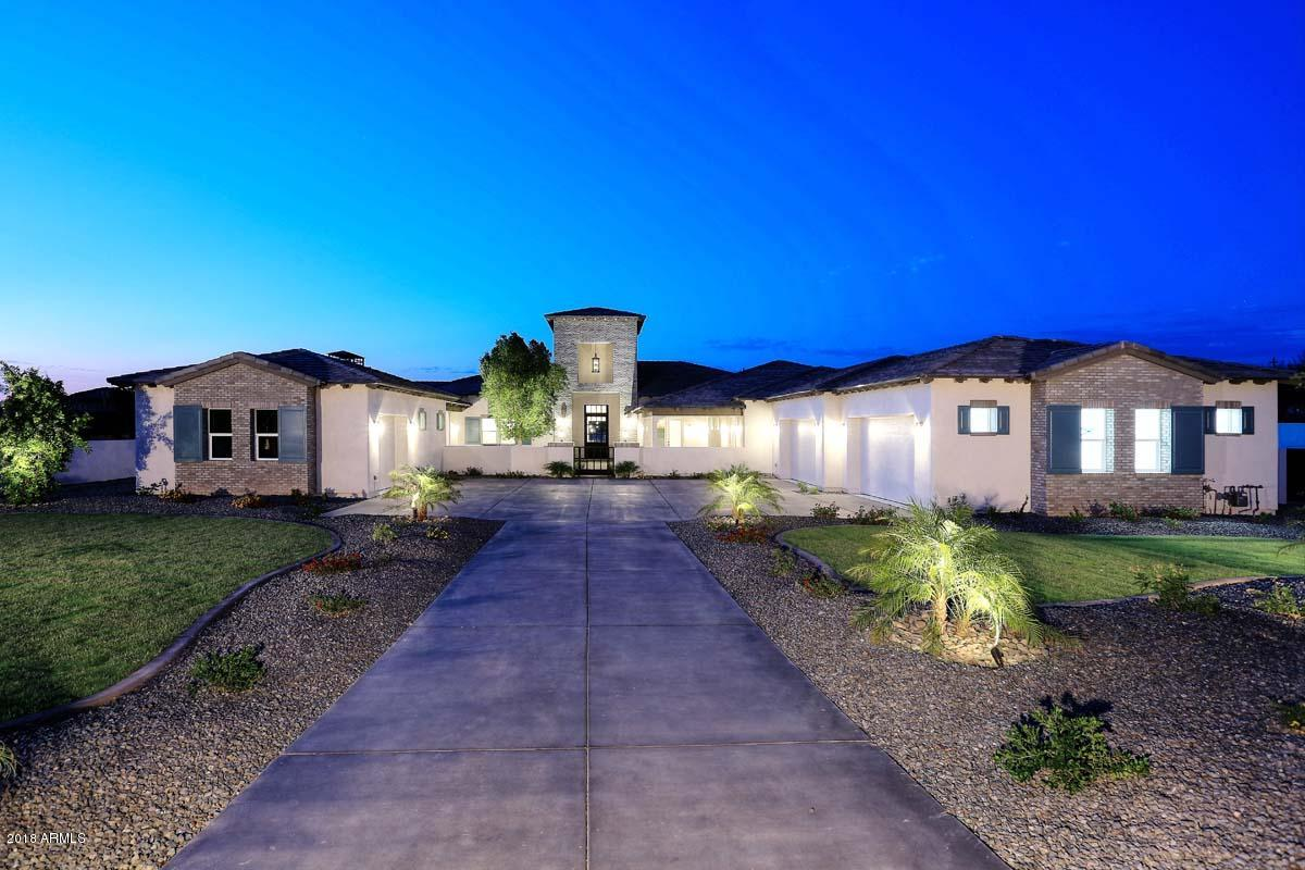 Photo of 9520 W BELLISSIMO Lane, Peoria, AZ 85383