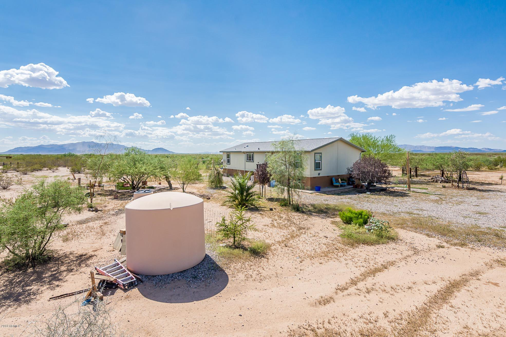 MLS 5818526 46611 W DUFF Road, Wickenburg, AZ Wickenburg AZ Equestrian