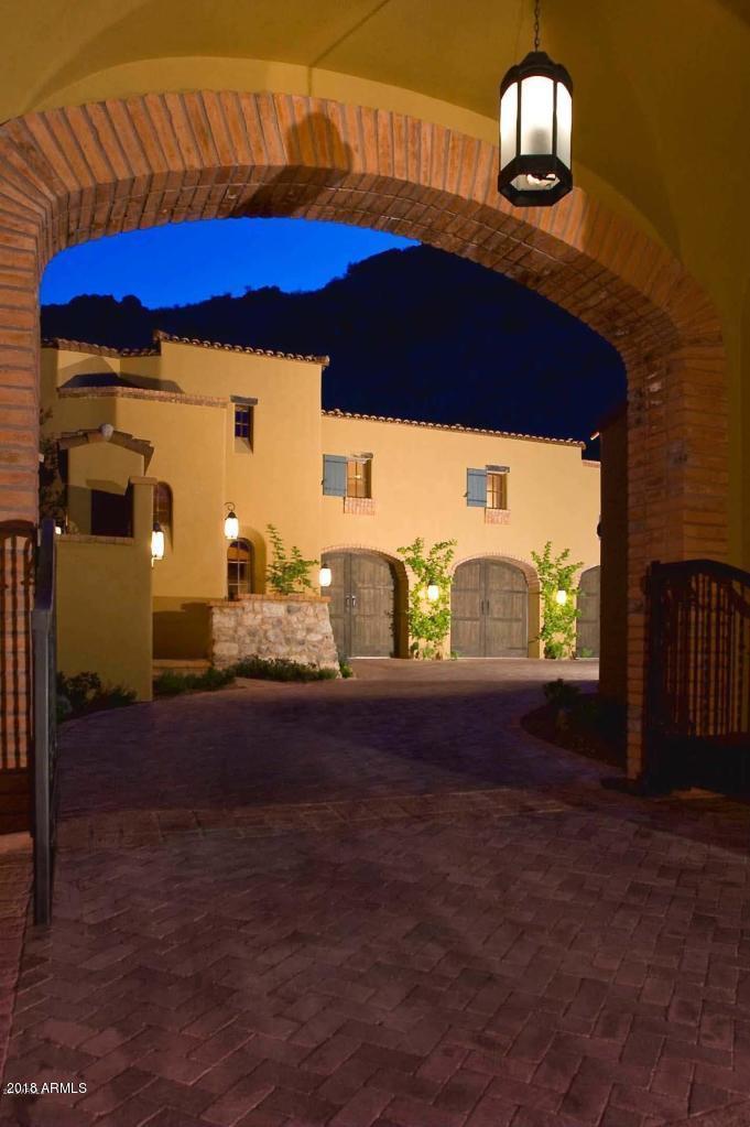 MLS 5818827 7620 N FOOTHILL Drive, Paradise Valley, AZ 85253 Paradise Valley AZ City View