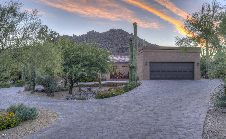 Photo of 2202 N SAGEBRUSH Lane, Carefree, AZ 85377
