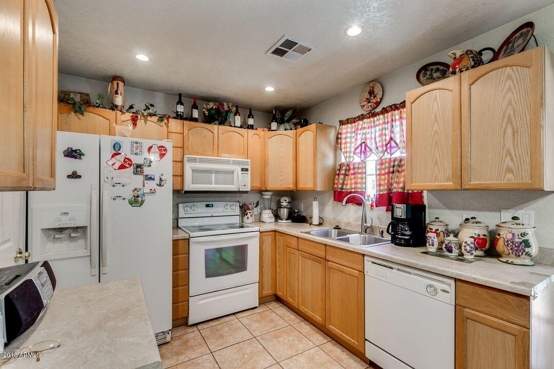 MLS 5816719 19114 E HUNT Highway, Queen Creek, AZ Queen Creek AZ Equestrian