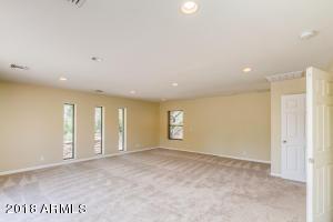 Huge Bonus Room