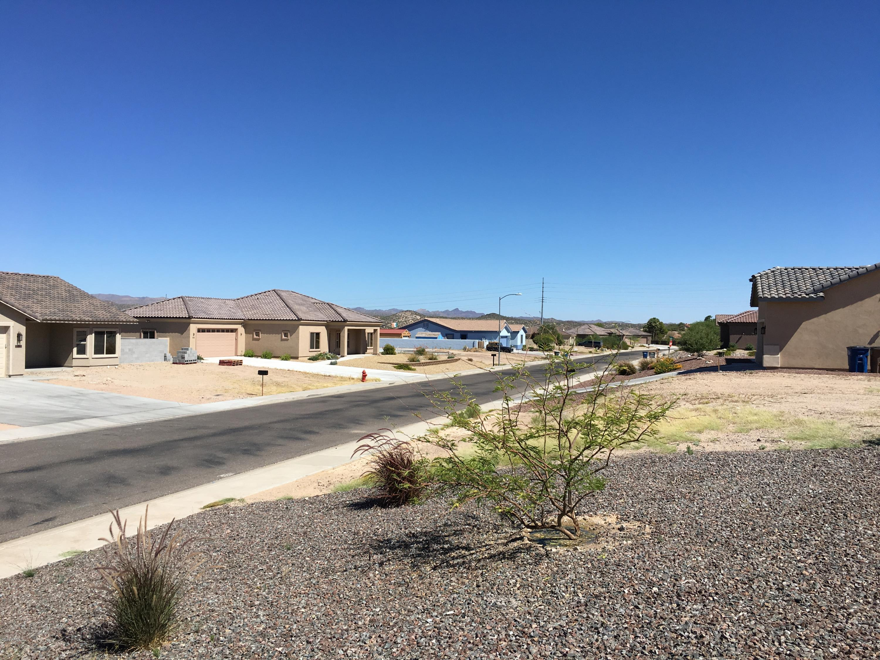MLS 5820413 939 W MCLEAN Drive, Wickenburg, AZ Wickenburg AZ Newly Built