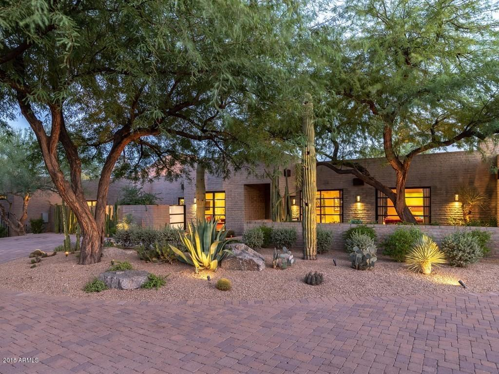 6329 N 44TH Street, Paradise Valley, Arizona
