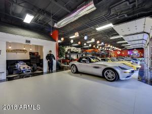 079_Auto Showroom 1