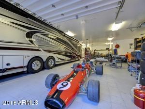 080_Auto Showroom 2