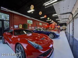 082_Auto Showroom 4