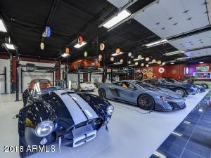 084_Auto Showroom 6