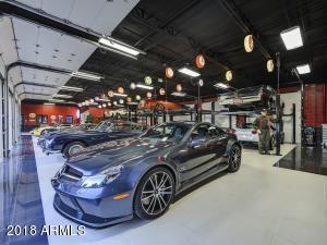 085_Auto Showroom 7