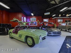 086_Auto Showroom 8