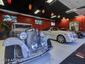 087_Auto Showroom 9