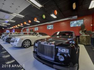 088_Auto Showroom 10