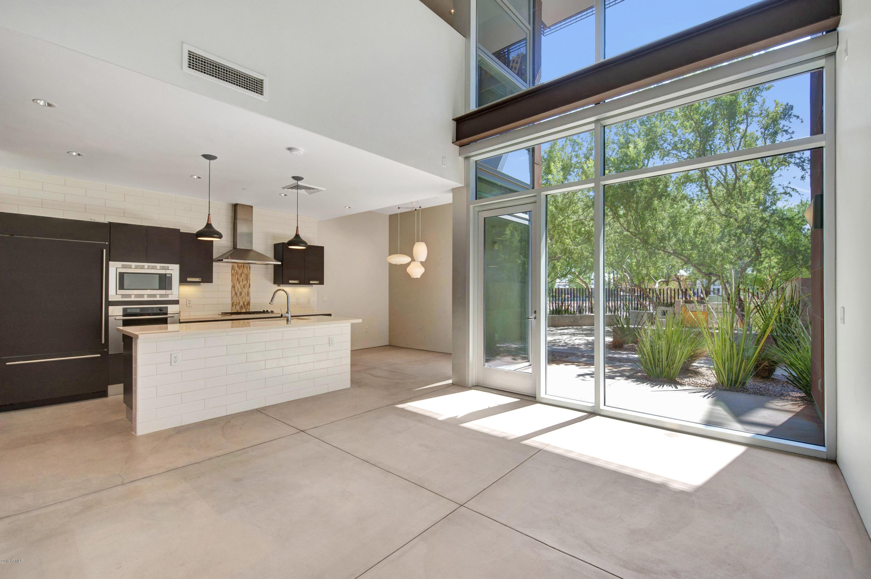 Photo of 4745 N SCOTTSDALE Road #D1008, Scottsdale, AZ 85251