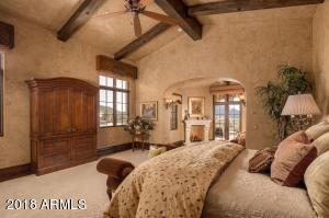 Master with Vaulted Beam Ceiling
