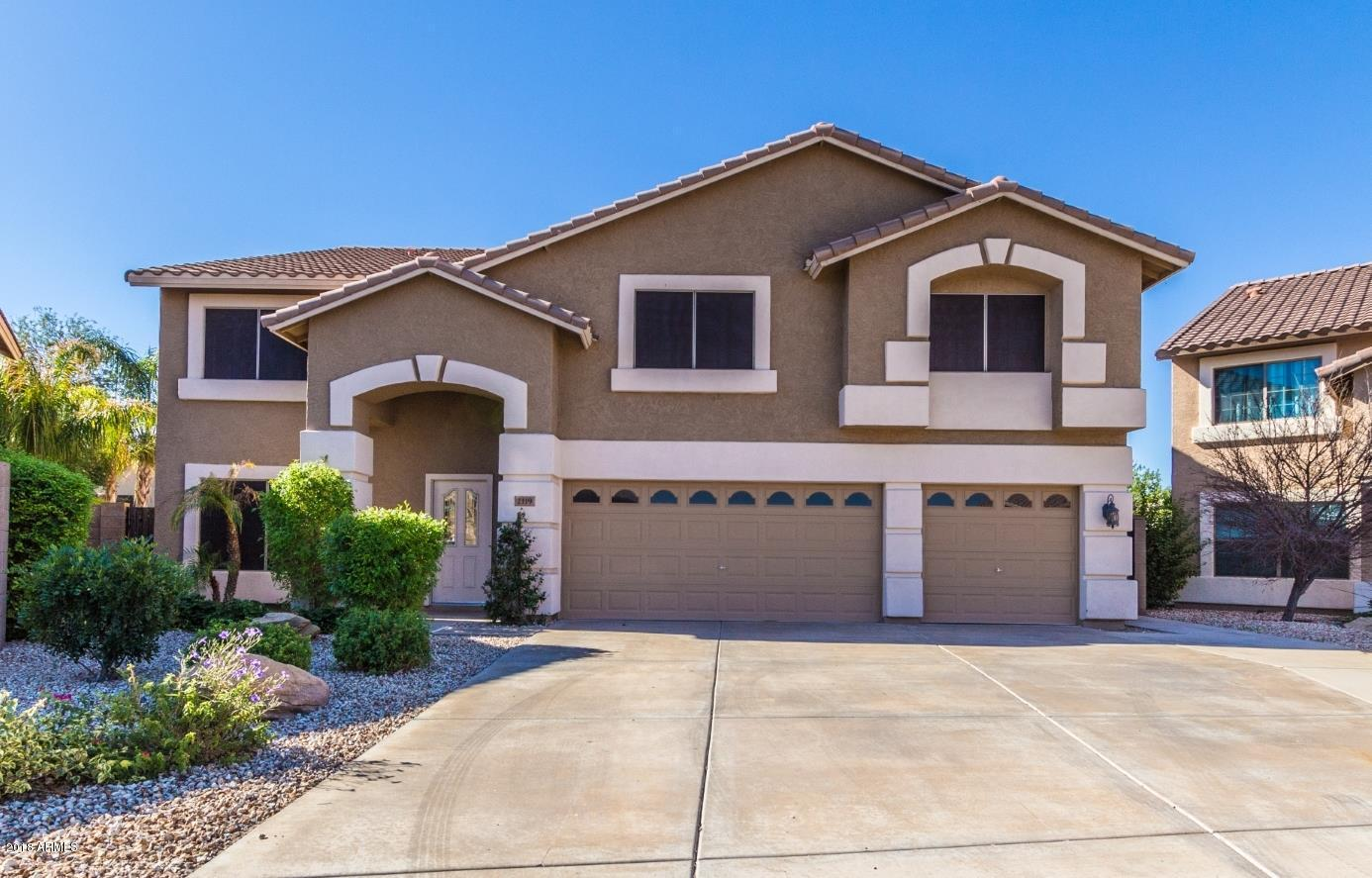 Photo of 2119 E VISTA BONITA Drive, Phoenix, AZ 85024