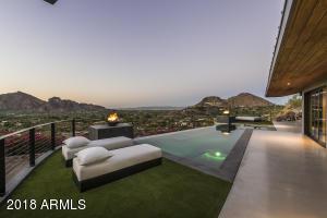 7517 N Moonlight Way Paradise Valley, AZ 85253