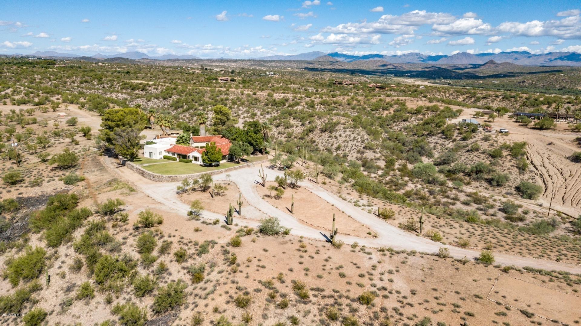 MLS 5830574 750 W BRALLIAR Road, Wickenburg, AZ 85390 Wickenburg AZ Guest House