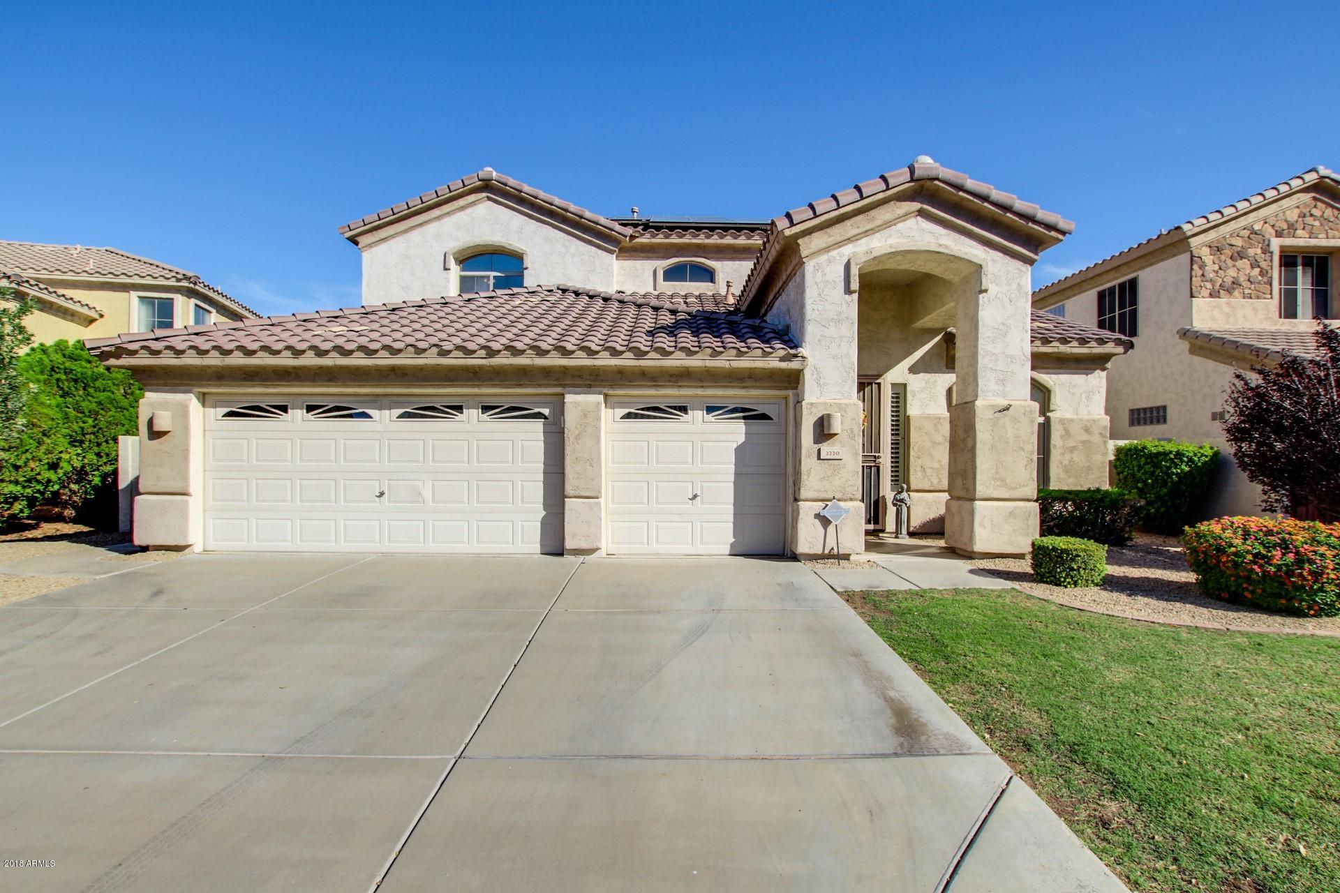 Photo of 2220 E STEPHENS Place, Chandler, AZ 85225