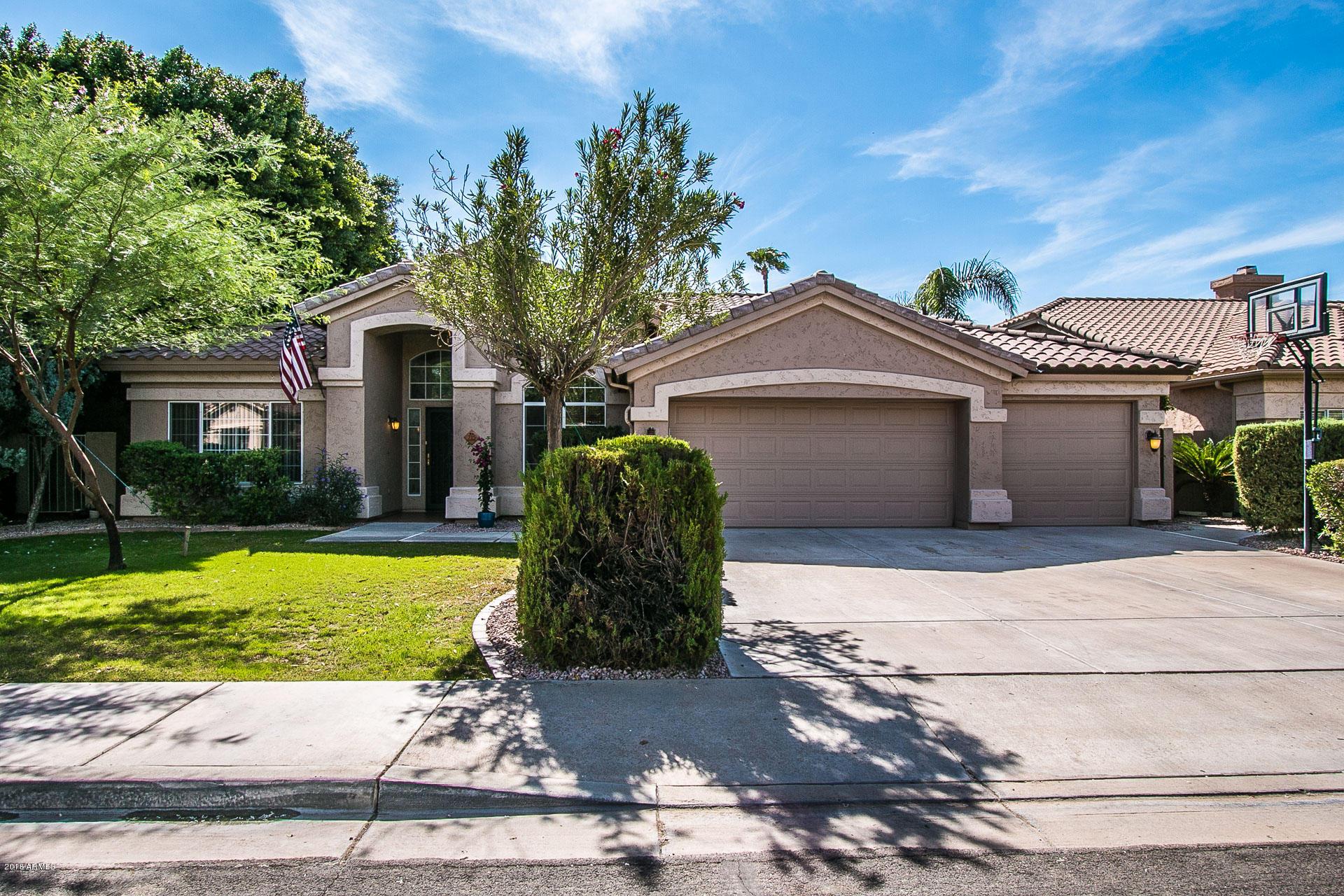 Photo of 715 W STANFORD Avenue, Gilbert, AZ 85233