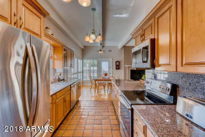 8410 N 16th Pl Phoenix AZ-small-005-8-Ki