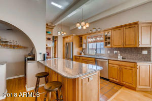 8410 N 16th Pl Phoenix AZ-small-008-4-Ki
