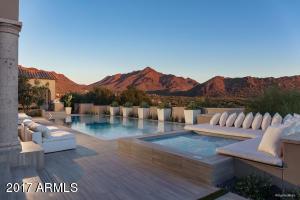 Resort style pool/spa