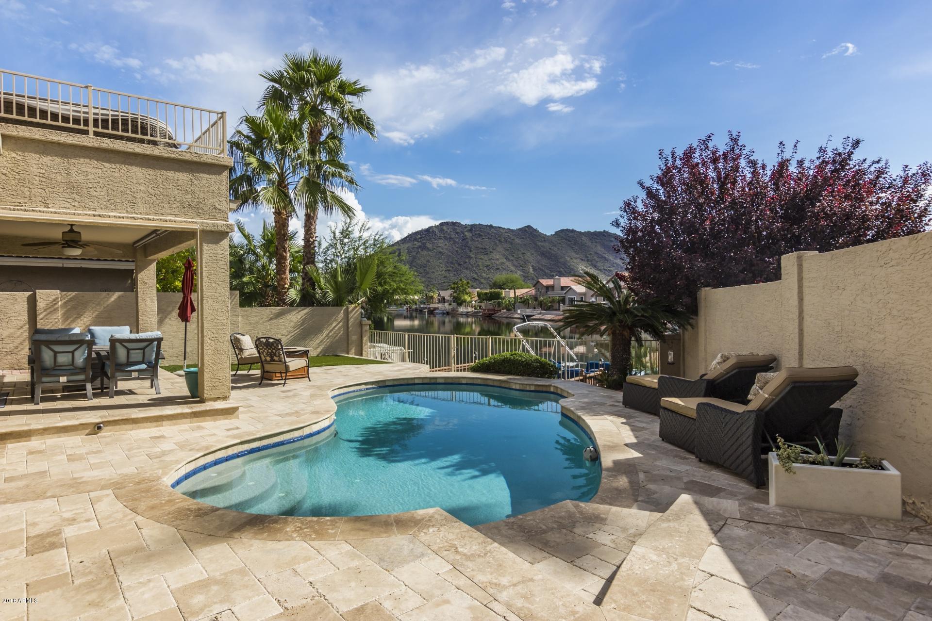 Photo of 5663 W ABRAHAM Lane, Glendale, AZ 85308