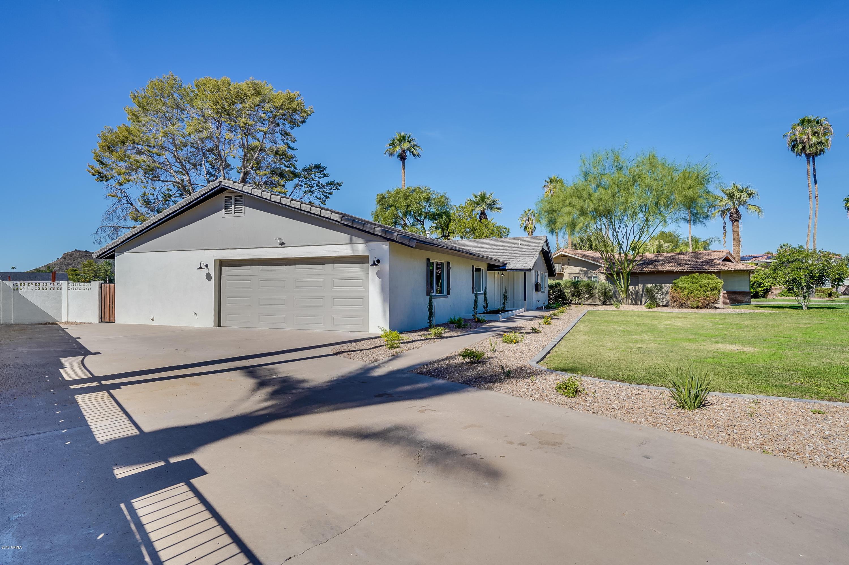 Photo of 13612 N CANTERBURY Drive, Phoenix, AZ 85023