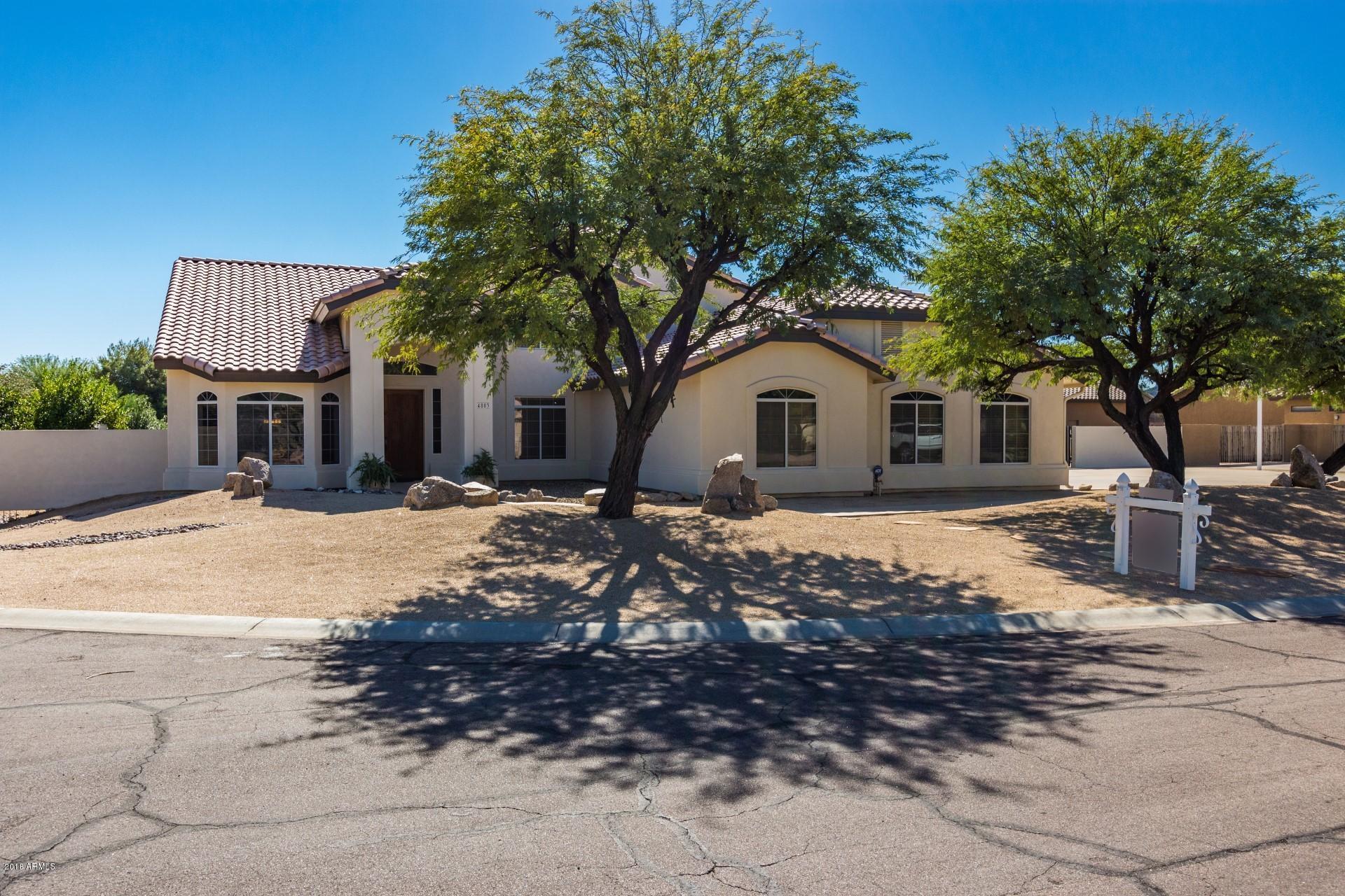 4803 W DESERT HOLLOW Drive, Phoenix AZ 85083