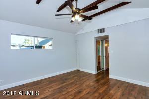 3728 N 12th St-large-015-8-Master Bedroo