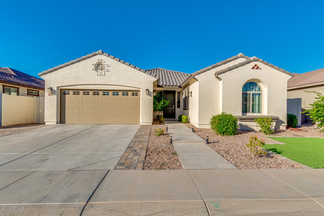 Photo of 2828 E RUSSELL Street, Mesa, AZ 85213