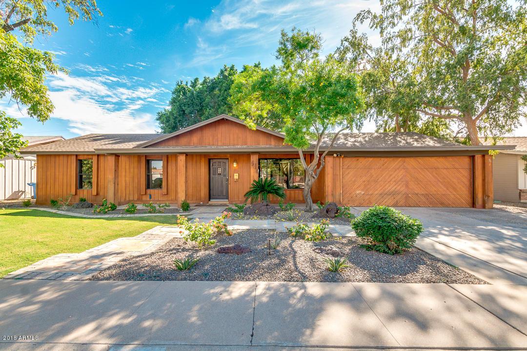 Photo of 449 W GARY Drive, Chandler, AZ 85225