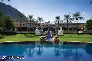 Villa Paradiso Estate Daytime