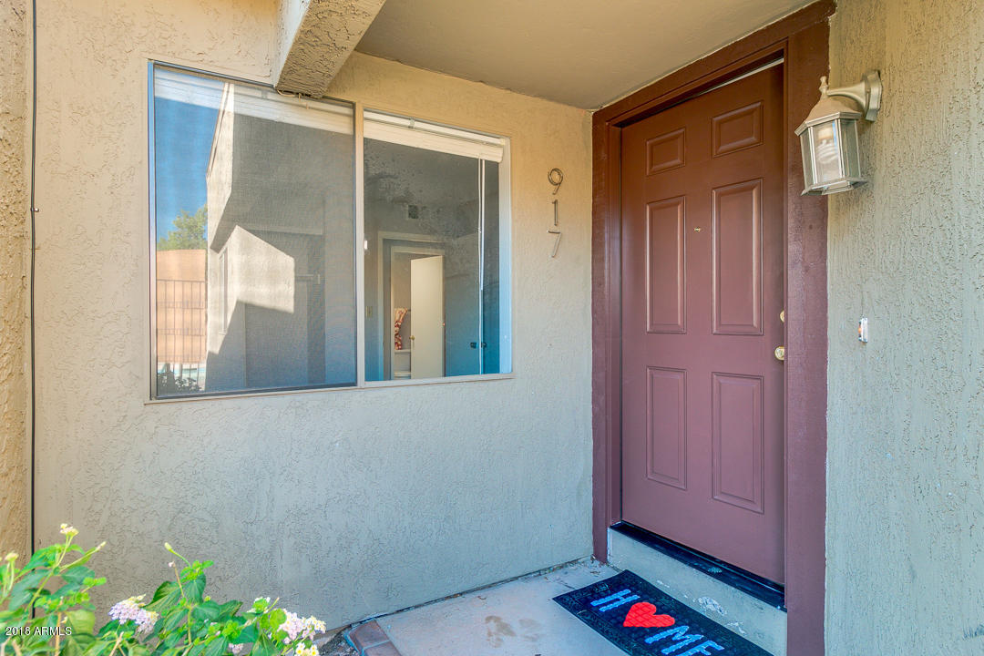 Photo of 917 S HACIENDA Drive, Tempe, AZ 85281