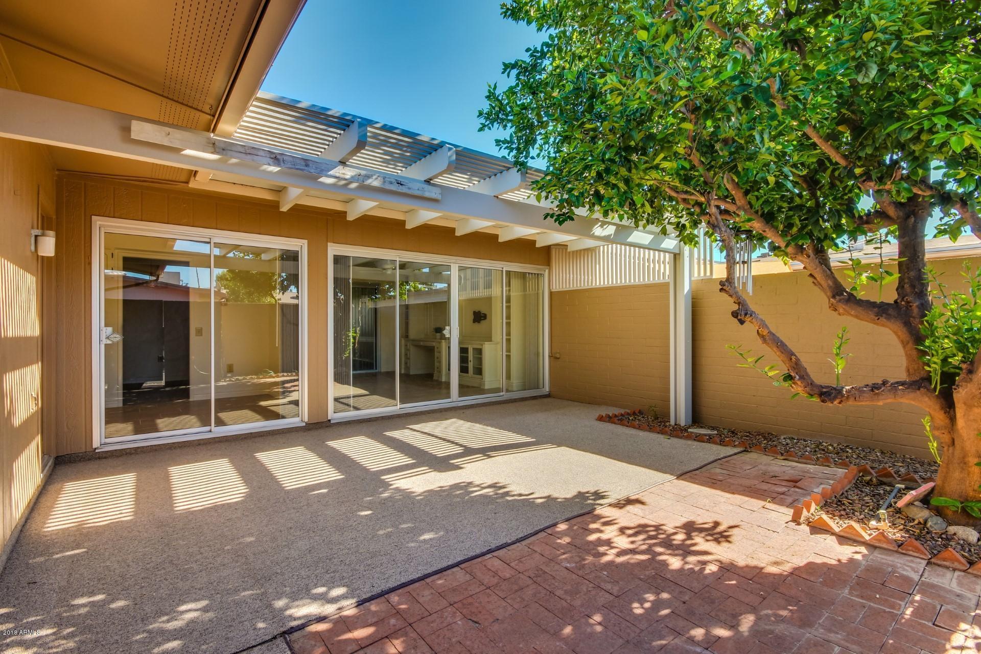 Photo of 9946 W PALMERAS Drive, Sun City, AZ 85373