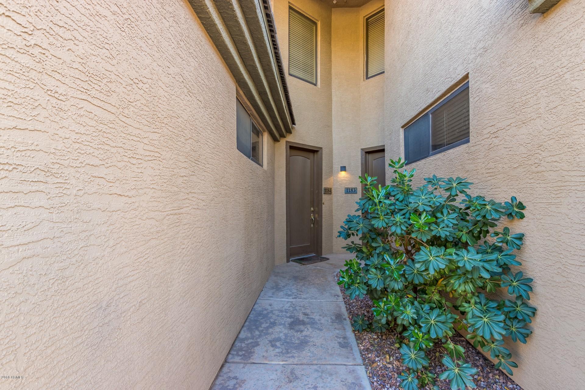 Photo of 705 W QUEEN CREEK Road #1184, Chandler, AZ 85248