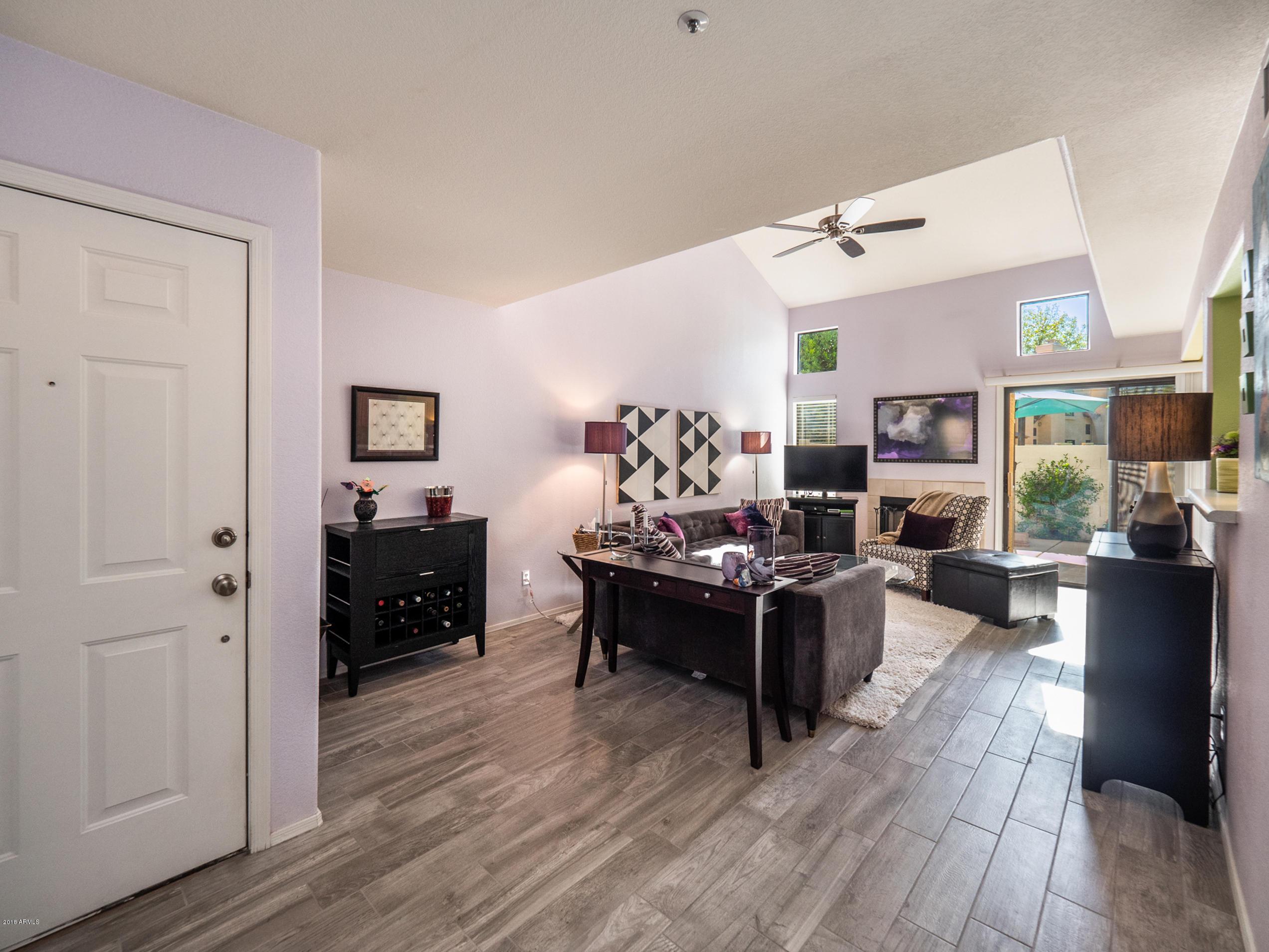 Photo of 1121 W WINDJAMMER Drive, Gilbert, AZ 85233