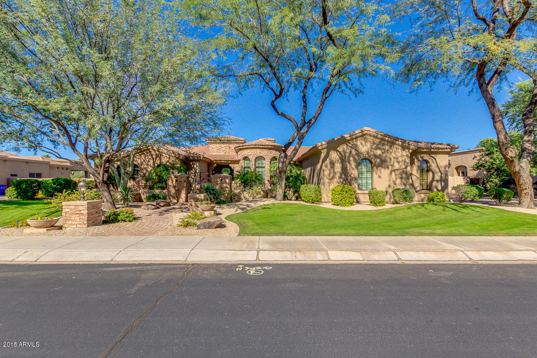 Photo of 4390 E GEMINI Place, Chandler, AZ 85249