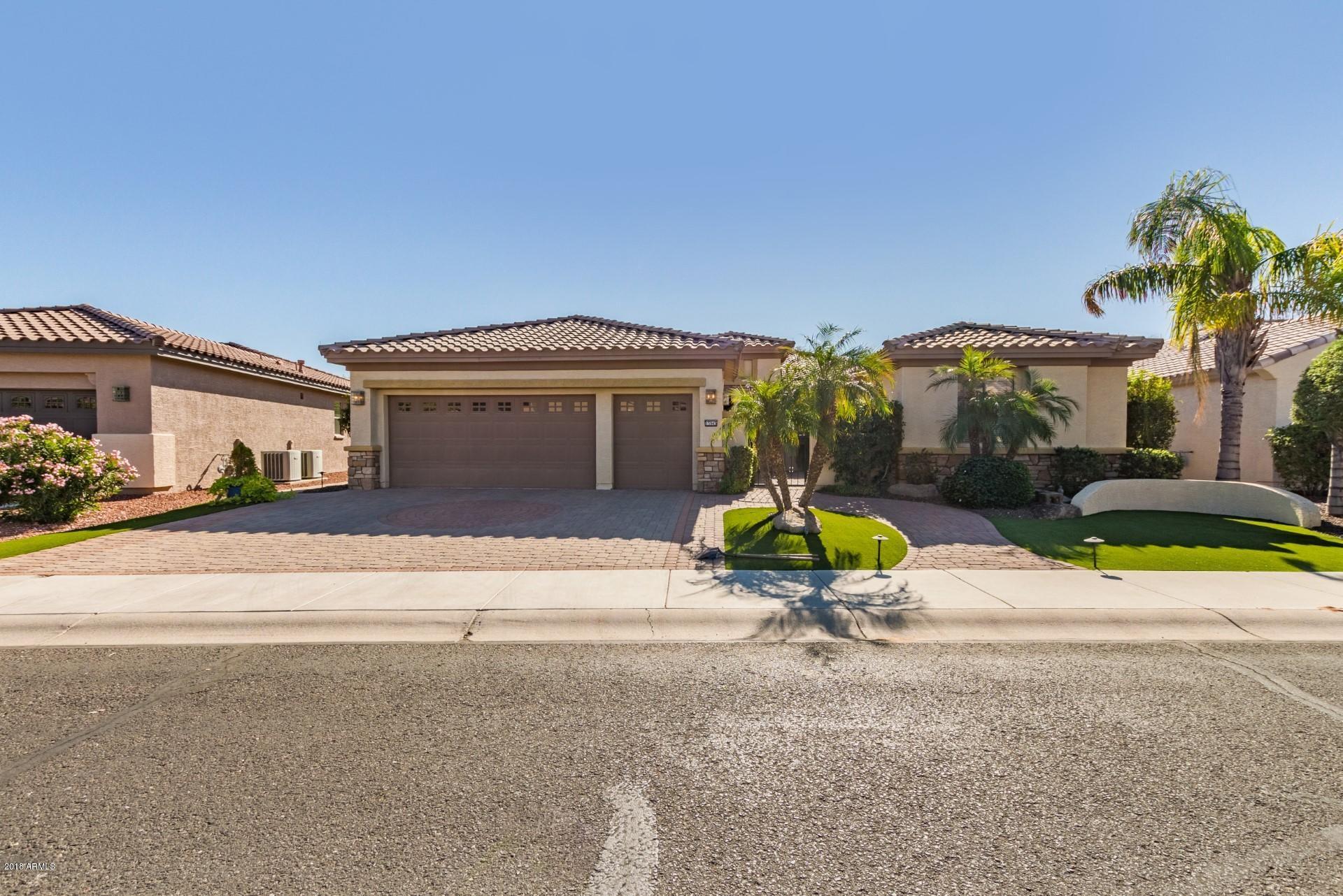 Photo of 15945 W CAMBRIDGE Avenue, Goodyear, AZ 85395