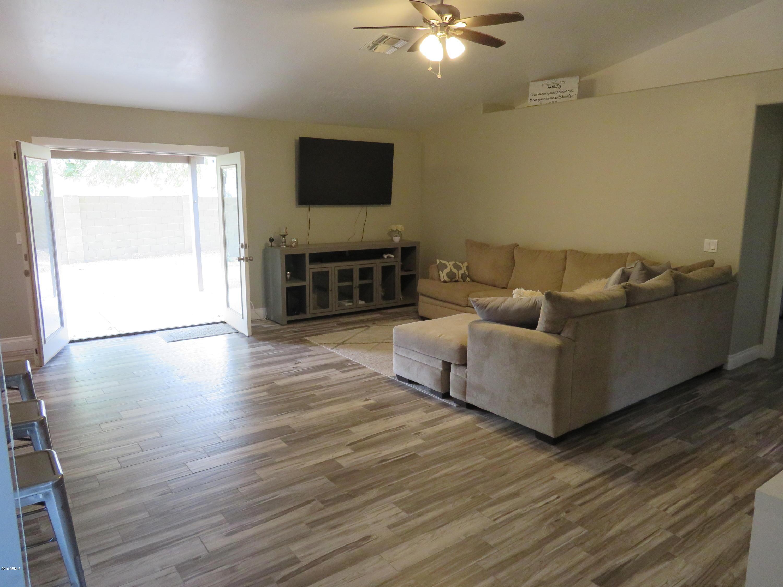 MLS 5846642 1020 S CANAL Drive, Gilbert, AZ Gilbert AZ Cottonwoods Crossing