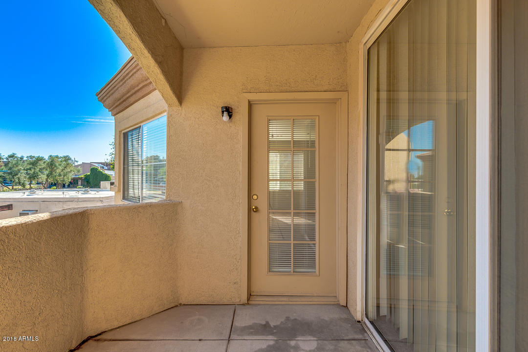 MLS 5845045 2134 E BROADWAY Road Unit 2046, Tempe, AZ Tempe AZ Gated