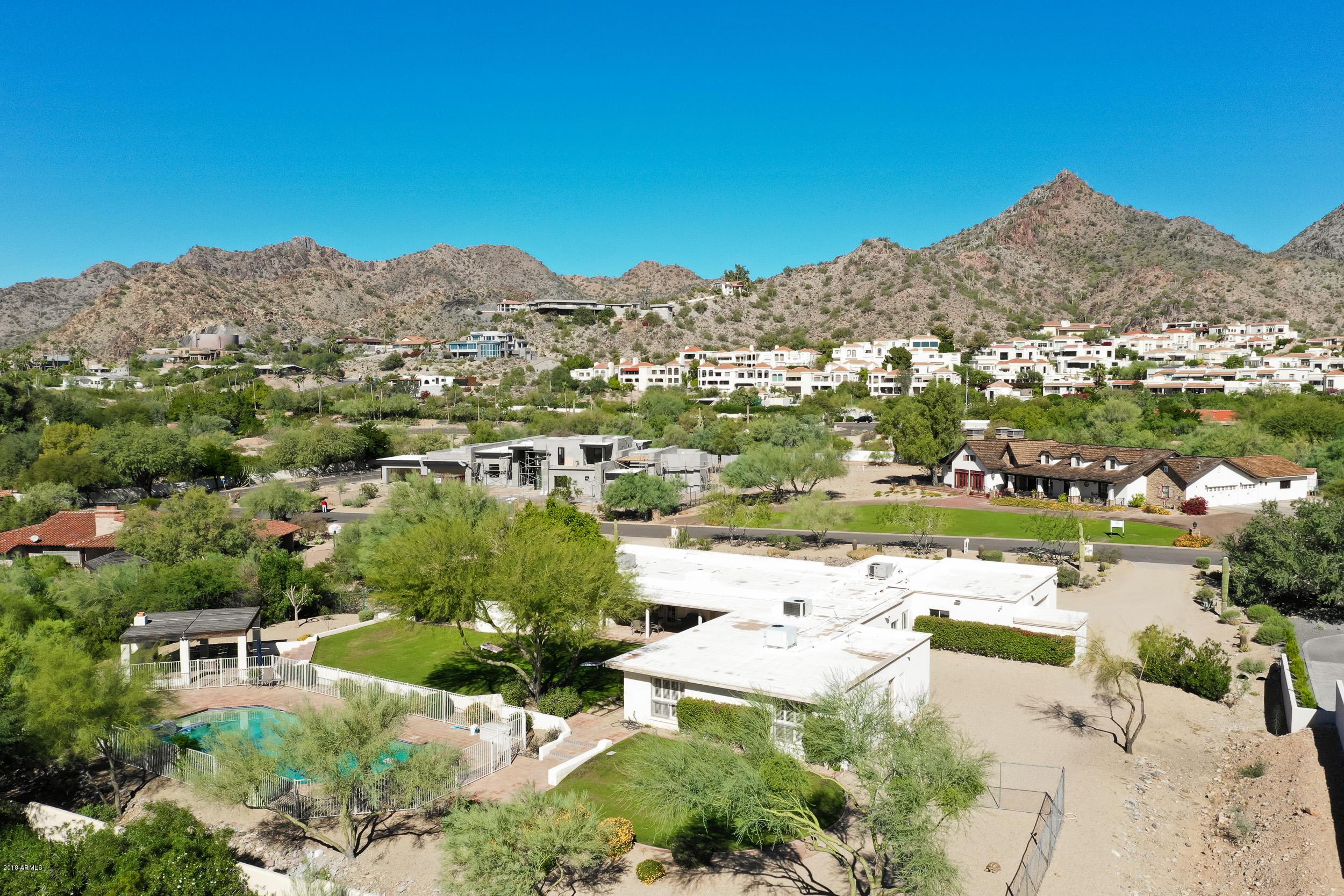 Photo of 3811 E STELLA Lane, Paradise Valley, AZ 85253