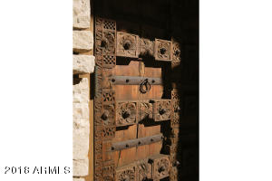 07 Detailed Carved Doors