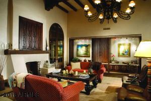 27 Grand Family Room